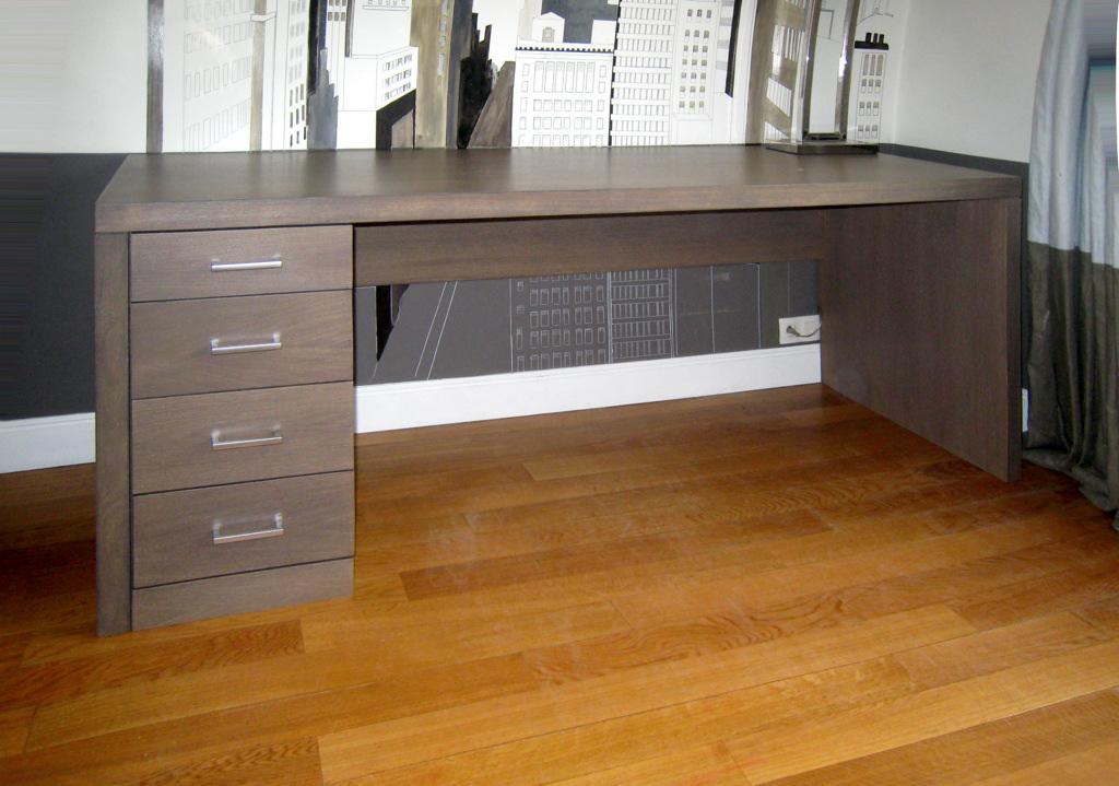 Bureau en chêne grisé