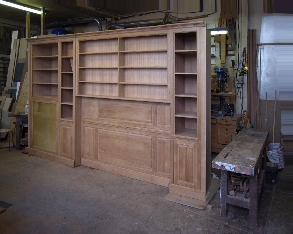 Fabrication de bibliothèque à l'atelier