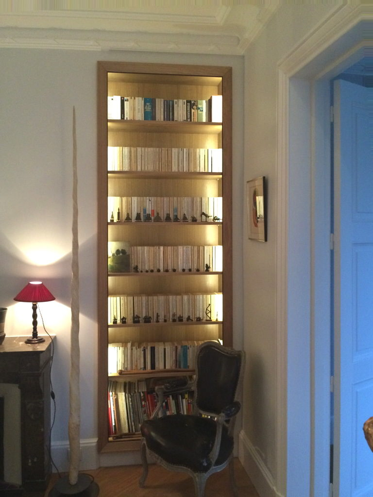 biblioth que en ch ne clair e led menuiserie desnoyer. Black Bedroom Furniture Sets. Home Design Ideas