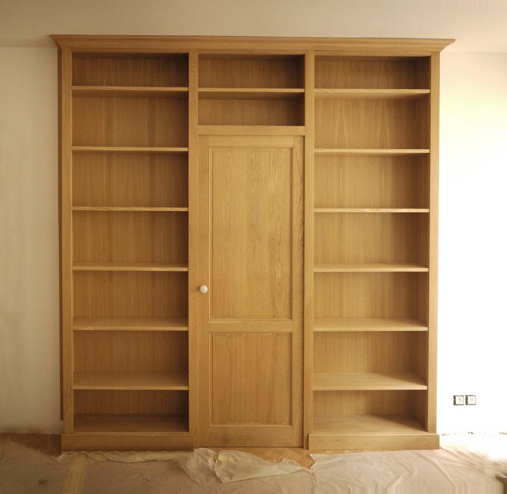 Cloison bibliothèque en bois massif sur mesure