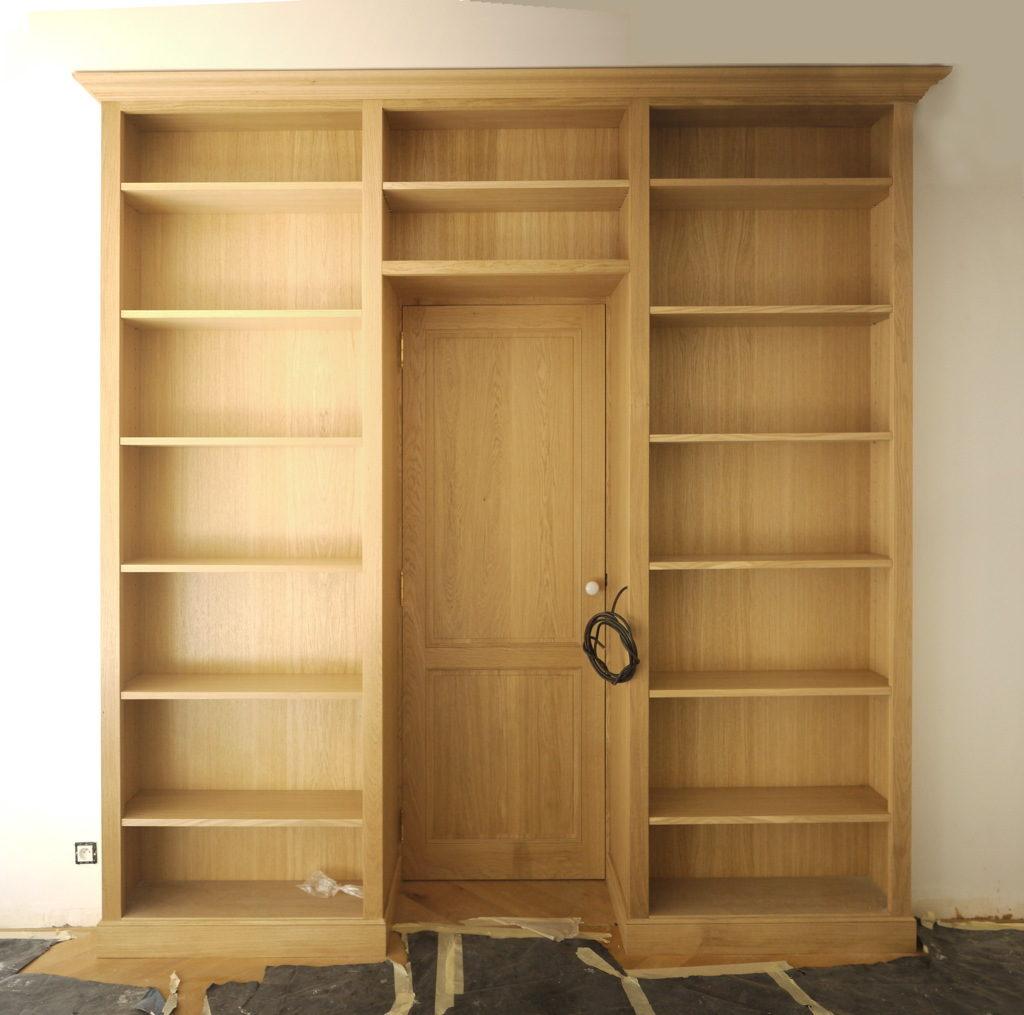 biblioth que en bois massif sur mesure menuiserie desnoyer. Black Bedroom Furniture Sets. Home Design Ideas